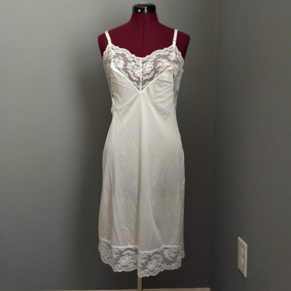 Vintage Other - Vintage Henson Kickernick White Lace Full Slip